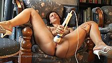 Claudia Rossi's Chair Orgasm